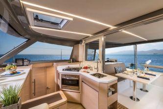 Bavaria Nautitech 40 Open catamaran 123 bridgedeck