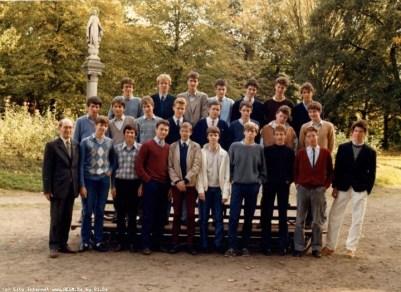 Album : 1984 1984 A 6ème Latin-Grec A 1983-1984 Titulaire : Père De Schuyteneer, sj