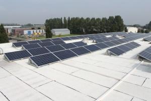 Eco dakbaan met Zonnepanelen