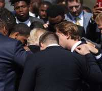 WATCH: Alabama's Football Team Prays For Trump At White House