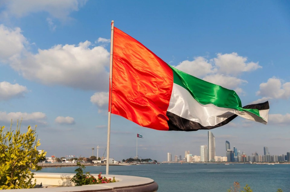 UAE Resumes Issuing New Visas Excluding Work Permits