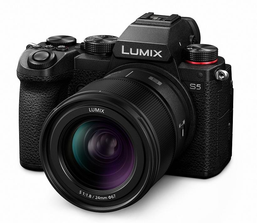 Lumix S 24