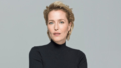 Photo of Gillian Anderson en Margaret Thatcher dans The Crown