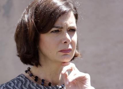 Laura Boldrini e la guerra all'uso del contante