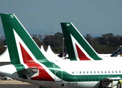 """""""Alitalia? Soluzione prima delle elezioni"""". Ecco perché Matteo Renzi sbaglia"""