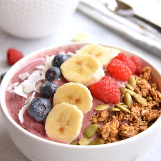 Berry Breakfast Smoothie Bowl