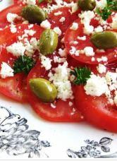 Keçi Peynirli Zeytinli Salata tarifi