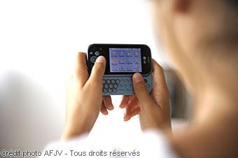 Usages en téléphonie mobile des jeunes de 11 à 24 ans