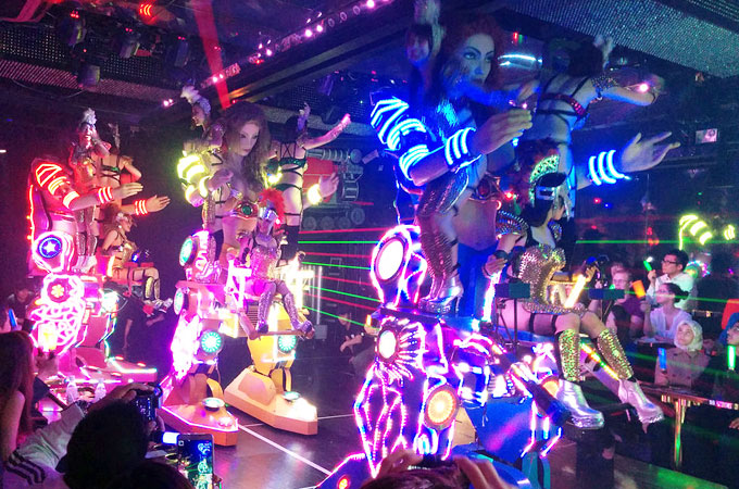 Robot restaurant Tokyo – The crazy must-see show