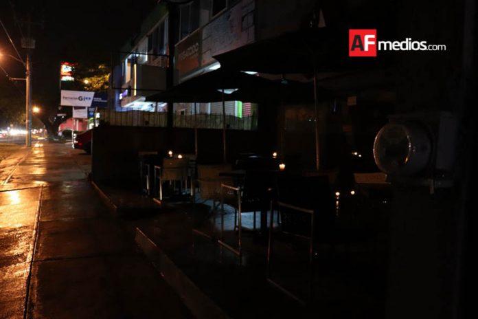 restaurantes velas 11 696x464 - Durante 2019, 18 restaurantes de La Villa-Colima han cerrado por incremento en tarifa de luz