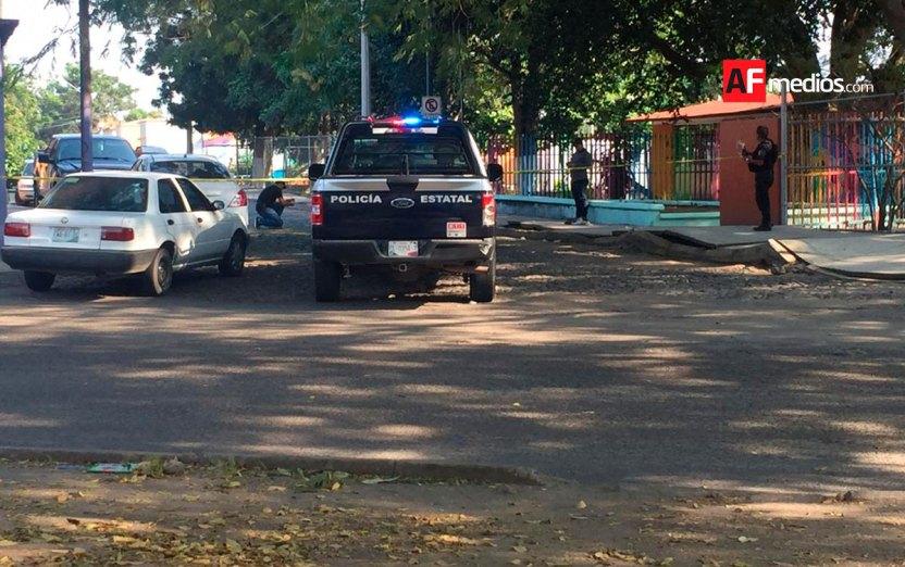 cruz roja baleado josefa ortiz colima bravo 02 - Una persona muerta y otra lesionada con arma de fuego al oriente de la ciudad de Colima