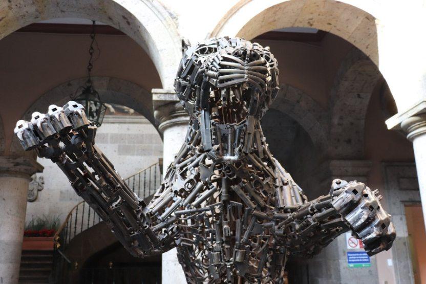esculturas armas 4 - Impactos que dejan huella...