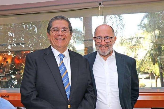 fil03 696x464 - Conversan rector y ex ministro Cossío Díaz en la FIL 2019