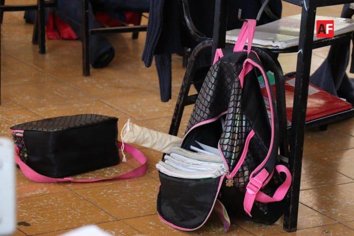 escuela estudiante utiles 6 696x464 - SEP y UdeC extienden suspensión de clases hasta el 30 de abril