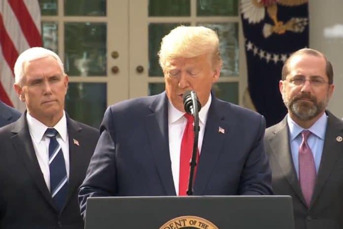 trump emergencia covid19 696x464 - Estados Unidos declara emergencia nacional y libera 60 mil MdD - #Noticias