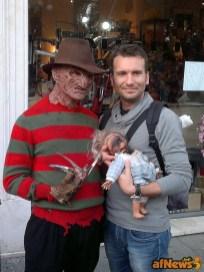 155 Freddie gioca con le bambole - afnews