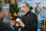 NEW YORK, NY - MARCH 18: Actor Mandy Patinkin at the United Nations Headquarters celebrating International Day of Happiness in conjunction with SMURFS: THE LOST VILLAGE on March 18, 2017 in New York City. (Photo by Andrew Toth/Getty Images for Sony Pictures)