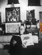 Il Dalai Lama legge Tintin in Tibet