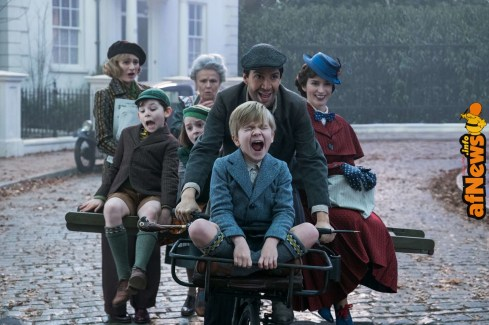 Jane (Emily Mortimer), John (Nathanael Saleh), Annabel (Pixie Davies, Ellen (Julie Walters), Jack (Lin-Manuel Miranda), Georgie (Joel Dawson) and Mary Poppins (Emily Blunt) in MARY POPPINS RETURNS, Disney's original musical which takes audiences on an entirely new adventure with the practically-perfect nanny and the Banks family.