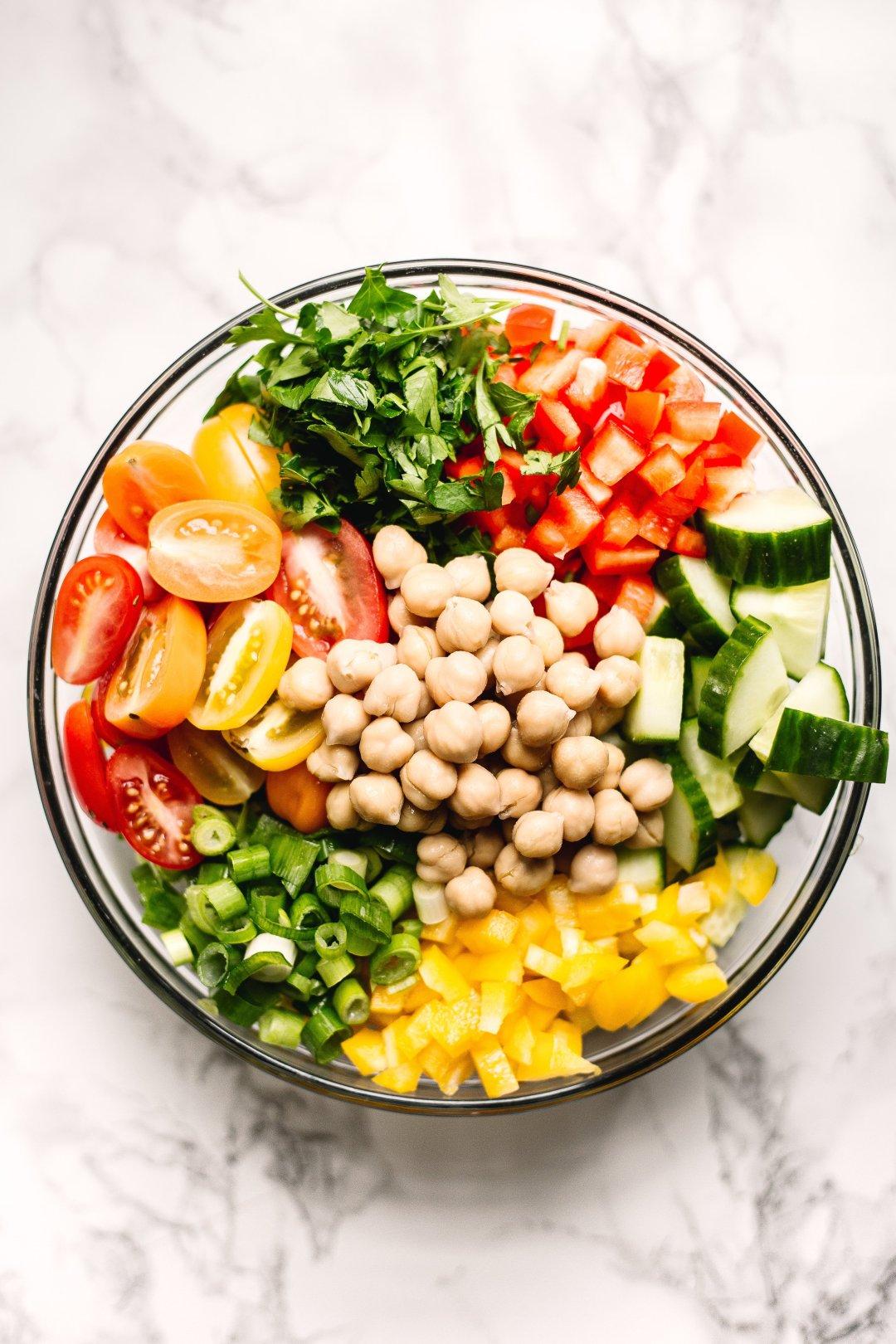 Rainbow chickpea salad recipe