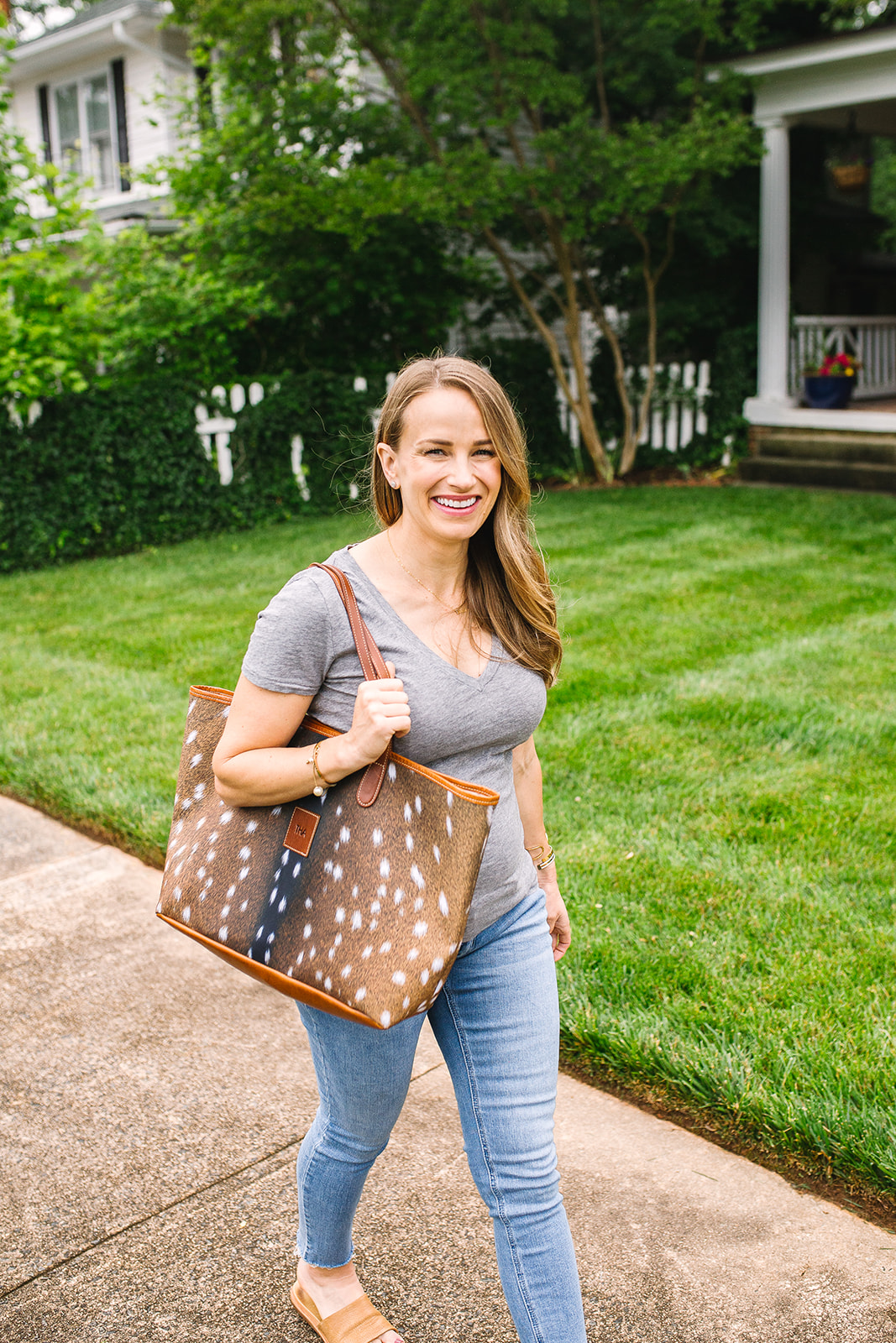 How to use packing cubes + tips to travel with only a carry-on!