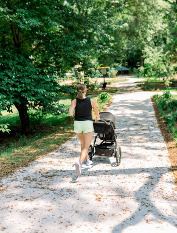 Thule Urban Glide 2 Jogging Stroller Review   How to Run with a Baby