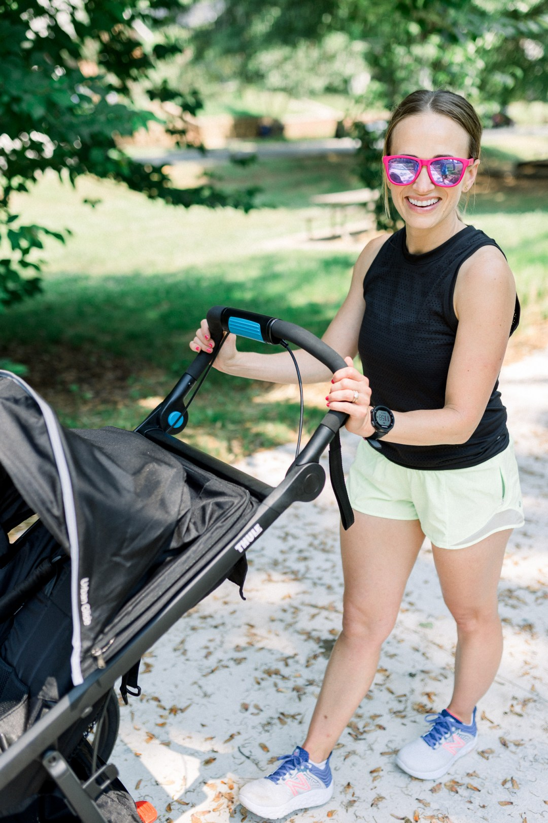 Thule Urban Glide 2 Jogging Stroller pros and cons