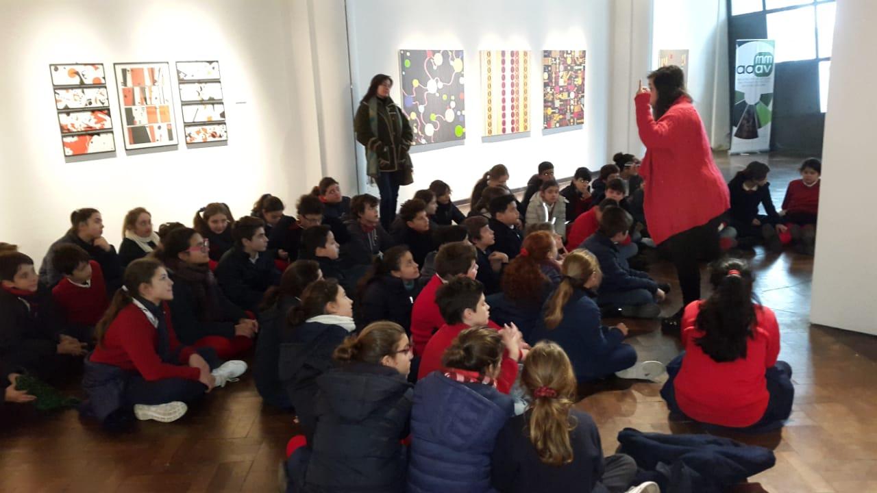 Visita guiada a la Muestra «La línea piensa»