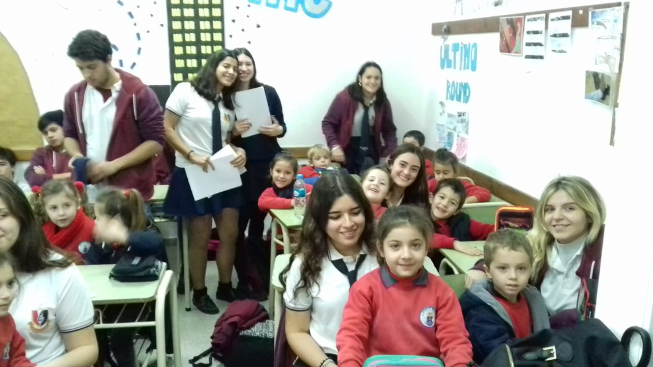 Los alumnos del Jardín trabajan en la Esc. Secundaria y Esc. Especial