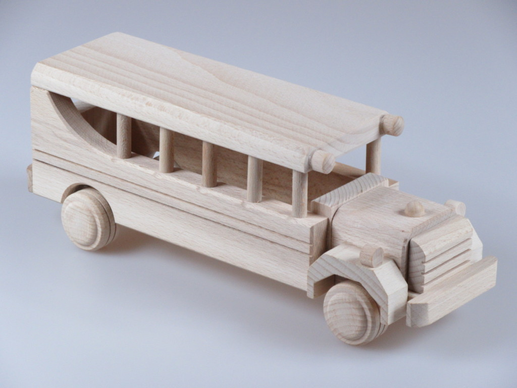 Car on the wood: how it works