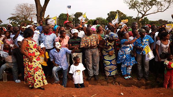 Bangui, la gente durante la visita di Papa Bergoglio