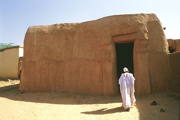 Ancient home niger