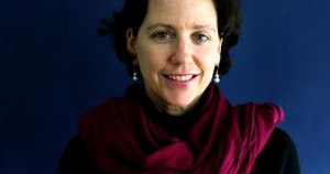 Corinne Dufka, direttore di HRW per l'Africa occidentale. Corinne prima era fotografa e ha coperto numerose guerre in Africa. Alcune sue immagini esclusive (alle teste mozzare esposte sui tavoli al mercato di Freetown) hanno fatto il giro del mondo (maa)