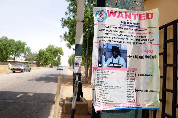 Un manifesto con la taglia offerta per la cattura di Shekau