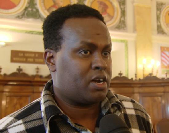 Hashi Omar Hassan fotografato nell'aula del processo, prima dell'inizio dell'udienza