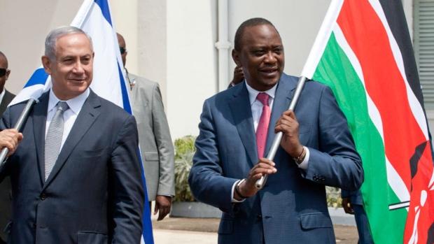 Il premier israeliano Netanyahu con il presidente Kenyatta