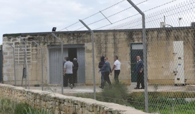 """Migranti """"illegali"""" detenuti a Malta"""