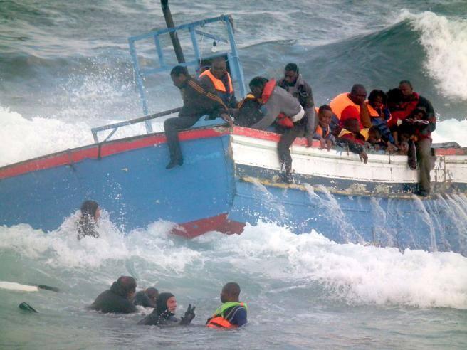 naufragio di un barcone nel Mediterraneo