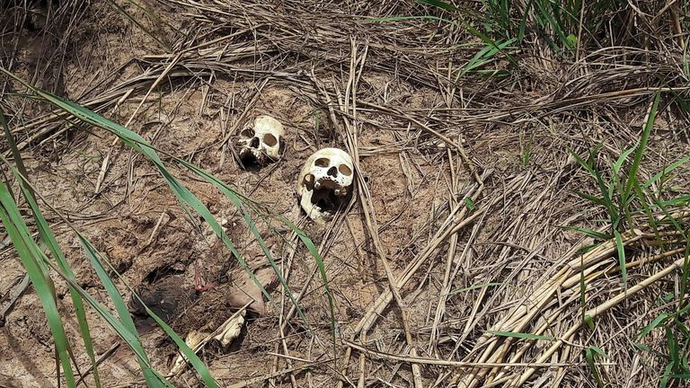 Fosse comuni nel Congo-K