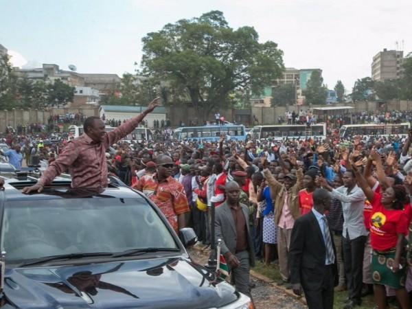 Uhuru Kenyatta durante la sua campagna elettorale