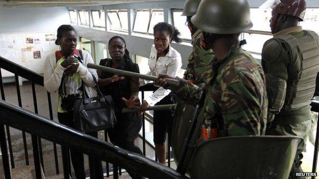 L'incursione della polizia all'università di Nairobi del 28 settembre scorso