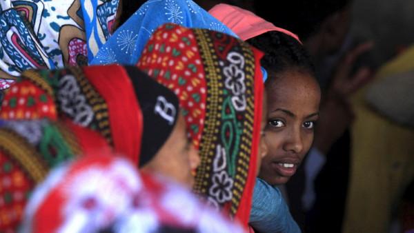 Giovani donne eritree