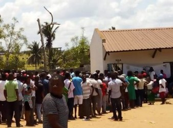Mozambico, fila ai seggi elettorali (Courtesy Amnesty International)