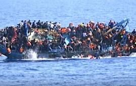 Barcone di migranti si capovolge nel Mediterraneo (Courtesy Euronews)