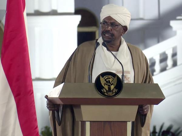 Sudan, colpo di stato: l'esercito costringe Bashir a dimettersi