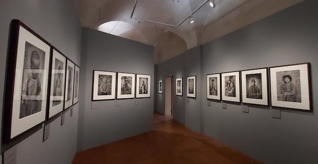 """Dalla mostra """"Exodus"""" di Sebastião Salgado. La sezione dei ritratti dei bambini"""