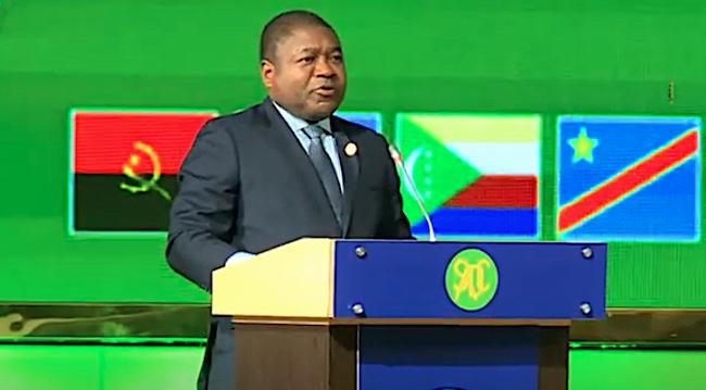 Filipe Nyusi, presidente del Mozambico, durante la cerimonia di insediamento alla presidenza di turno del 40° summit SADC