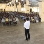 [ガーナ再訪記38]500人にキューブ教室 ~世界記録更新?