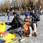 [北京観光]北海公園で氷上そり