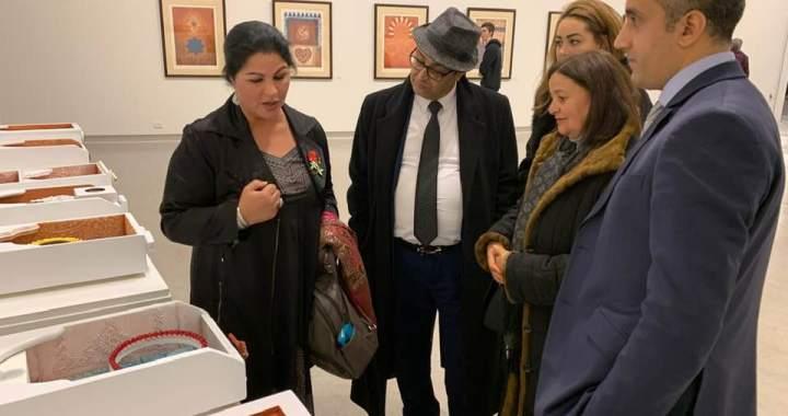 L'artiste-peintre marocaine Fatima Killeen expose ses œuvres à Canberra